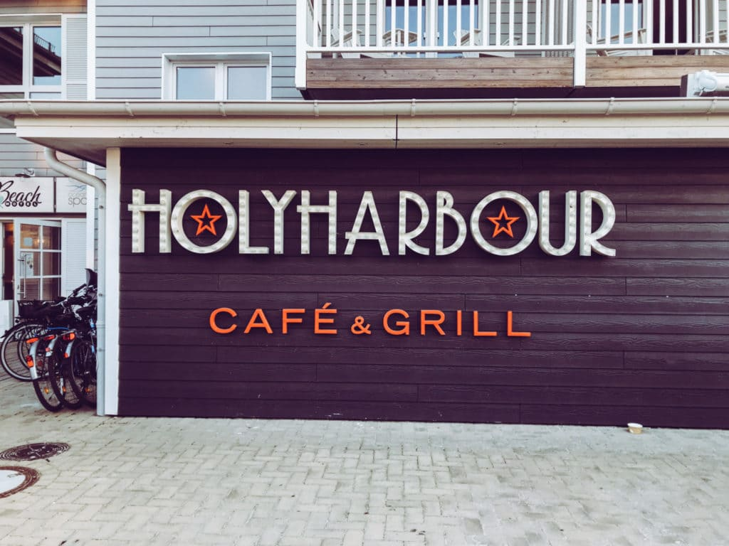 Holy Habour restaurant Beach Motel