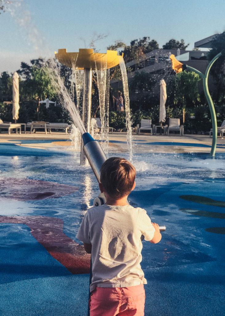Wasserspiele am familypool ikos