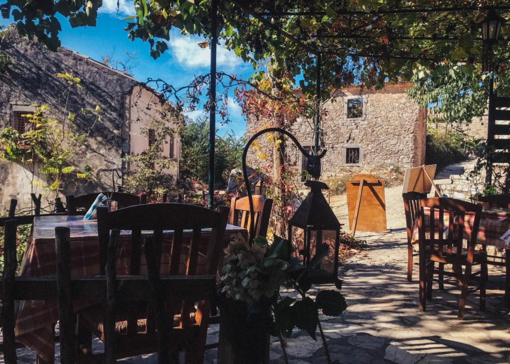 taverne griechisch ikos