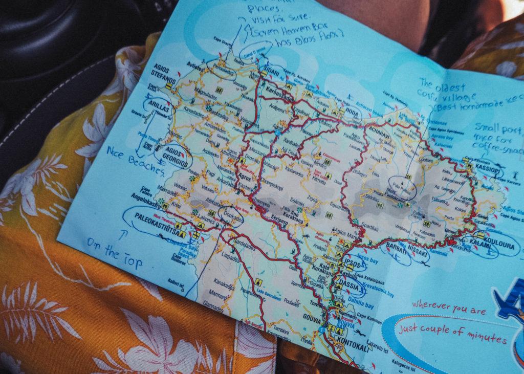 Route über die insel mit mini Ikos